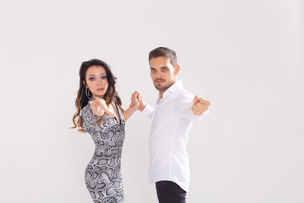 Taniec społeczny, bachata, kizomba, tango, salsa, koncepcja ludzi