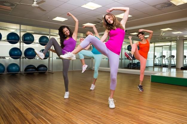 Taniec zumba w studio
