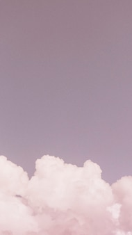 Tapeta na telefon komórkowy z różowym niebem