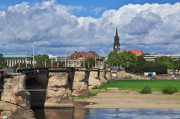 Taras bruhla na łabie w dreźnie, saksonia, niemcy
