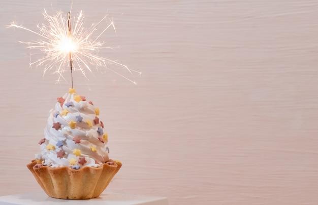 Tarta tarta biała żagiel dostawa szampana brylant petarda