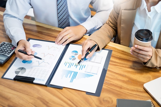 Team planning team starting project planning współpracujący ze sobą