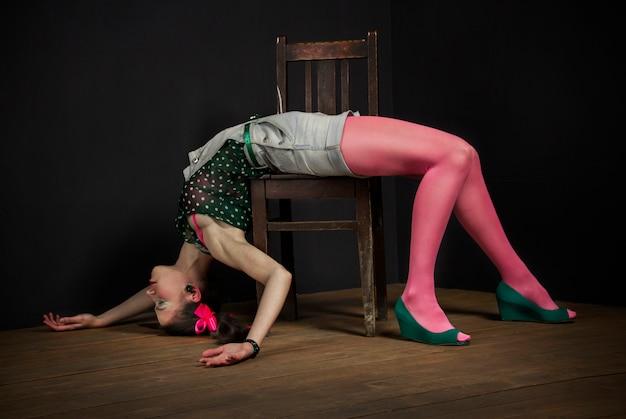 Teatr lalkowy. kobieta