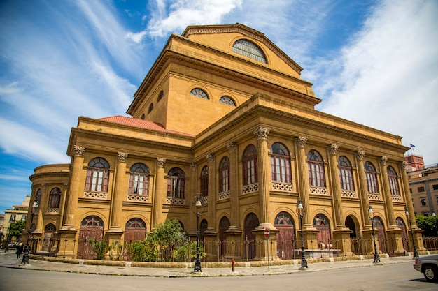 Teatro massimo w palermo na sycylii