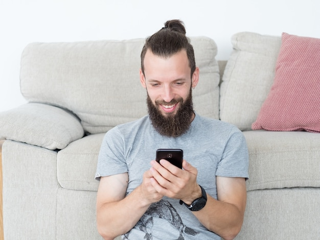 Technologia komunikacji człowiek za pomocą telefonu komórkowego
