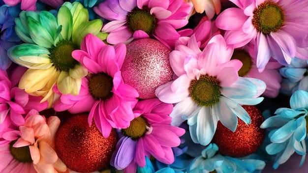 Tęczowe stokrotki. tęczowy kwiat. bukiety kwiatów tęczy kwiat, selektywne focus. wielobarwne tło wzór kwiatów stokrotek