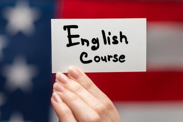 Tekst kursu języka angielskiego na karcie
