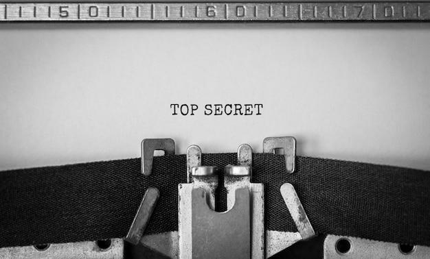 Tekst Top Secret Wpisany Na Maszynie Do Pisania W Stylu Retro Premium Zdjęcia