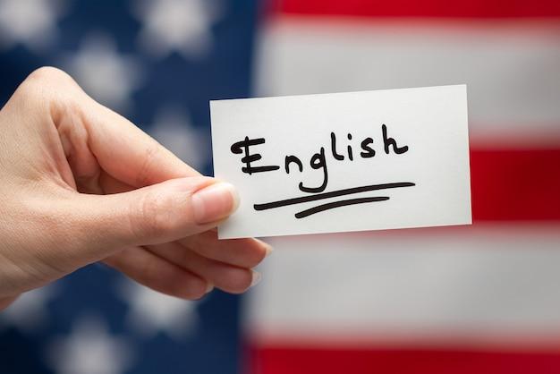 Tekst w języku angielskim na karcie flaga amerykańska