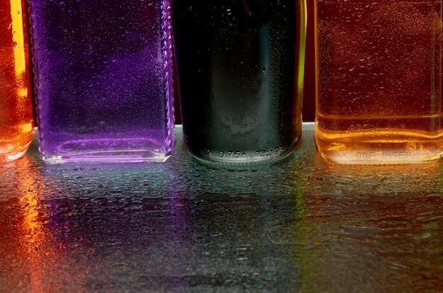 Tekstura napojów alkoholowych przez szkło w aerozolu wody