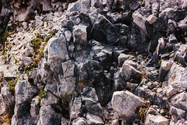 Tekstura szara góra kamienie. materiał tła natury