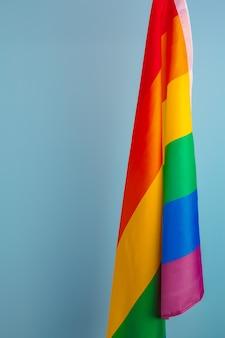 Tekstura tkanina gejów tęczowa flaga z bliska