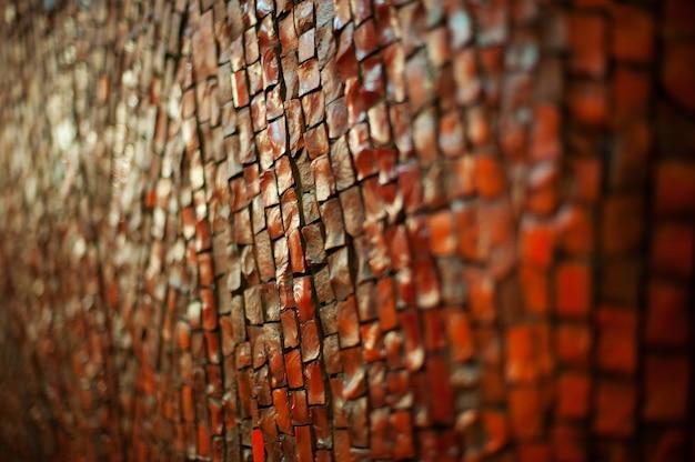 Tekstura z czerwonej cegły droga na spacery w parku.