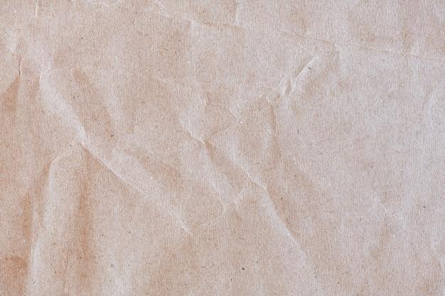 Teksturowany pomarszczony brązowy papier rzemieślniczy