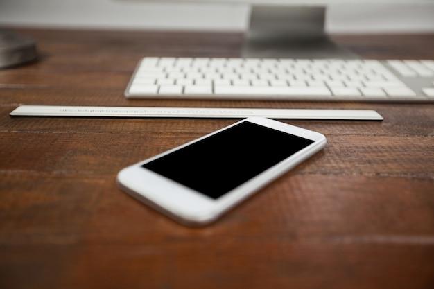 Telefon komórkowy i klawiatury