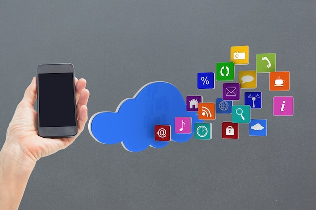 Telefon komórkowy z chmurą ikon aplikacji