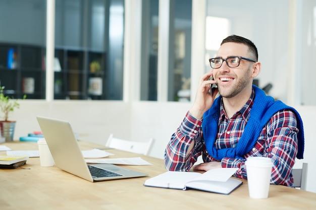 Telefonowanie w biurze