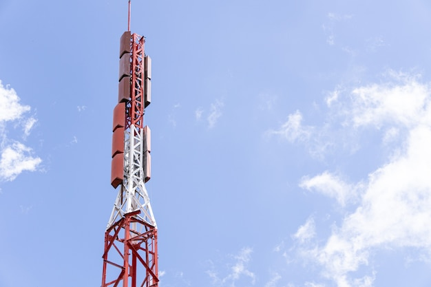 Telekomunikacja antena telewizyjna i radiowa