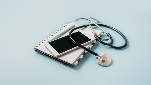 Telemedycyna lub telemedycyna wirtualna wizyta wideo wizyta koncepcja konsultacji wideo czatu zdalnego lekarza