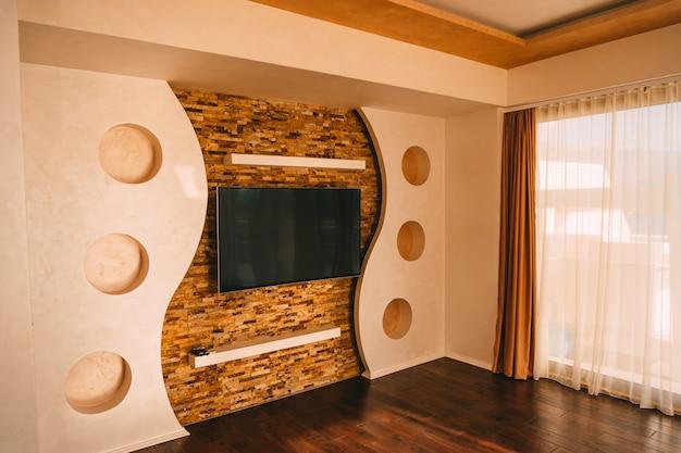 Telewizor na ścianie telewizor wiszący na ścianie