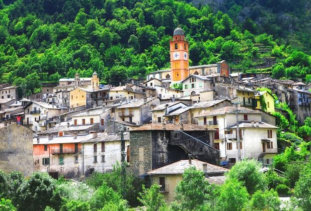 Tende, piękna średniowieczna wioska na pograniczu francji i włoch