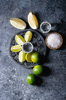 Tequila z solą i limonkami