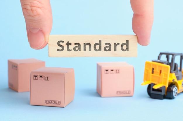 Termin branżowy kurierów standardowa dostawa lub tani kurier.