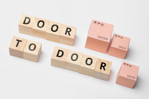 Termin branży kurierskiej od drzwi do drzwi. dostawa towaru bez magazynowania.