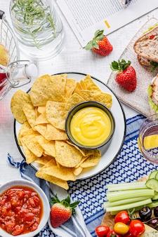 Tex mex piknik z chipsami tortilla