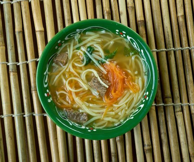 Thukpa - tybetańska zupa z makaronem, która powstała we wschodniej części tybetu.