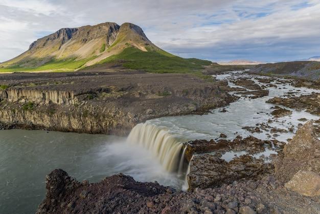 Thyofafoss islandia