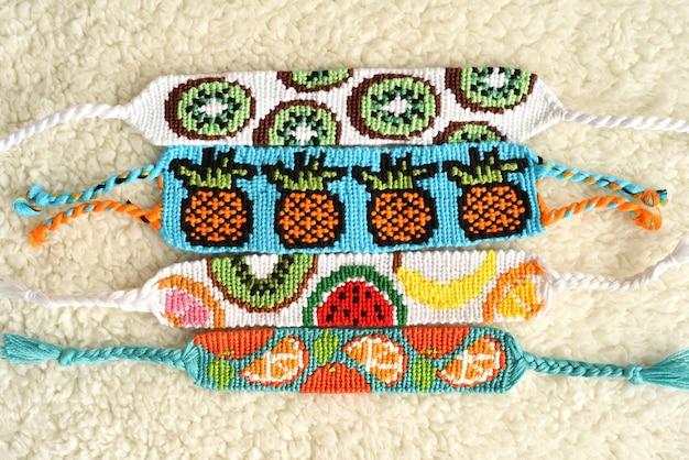 Tkane bransoletki przyjaźni diy z wzorami owoców