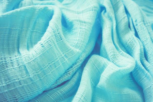 Tkanina z niebieskiego szalika