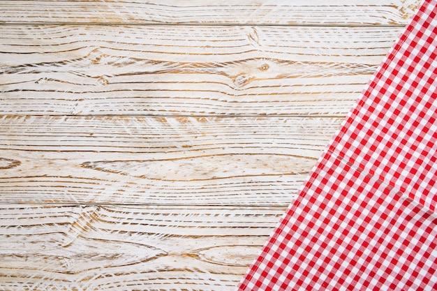 Tkaniny kuchenne na stół z drewna