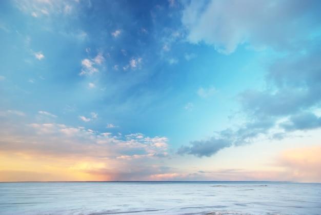 Tle Nieba Natura Wieczorem Premium Zdjęcia