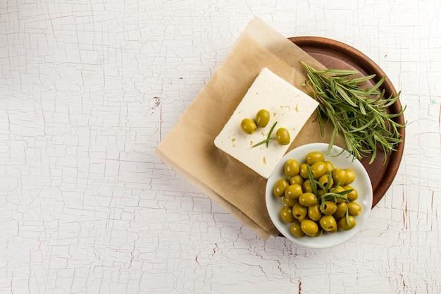 Tle tamtejsze z oliwek i aromatyczne zioło