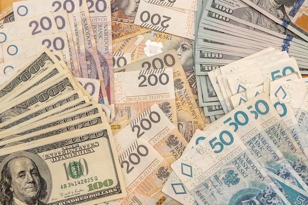 Tło banknotu usd i pln. pomysł na biznes