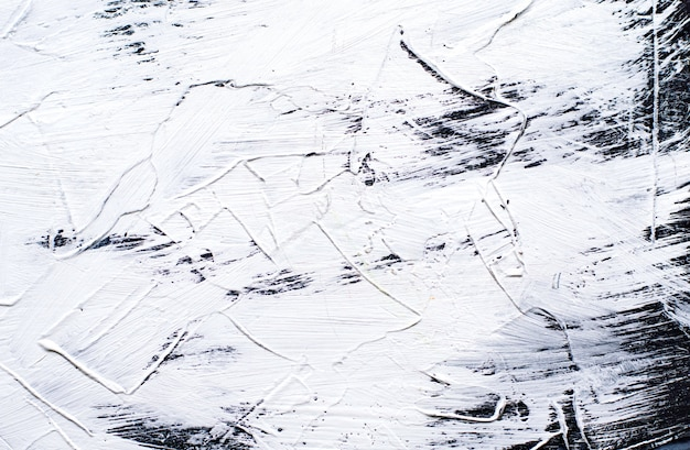 Tło białe malowane cementem z szerokimi pociągnięciami pędzla