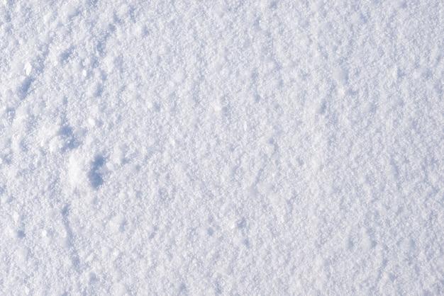 Tło białego śniegu na zamarzniętej rzece