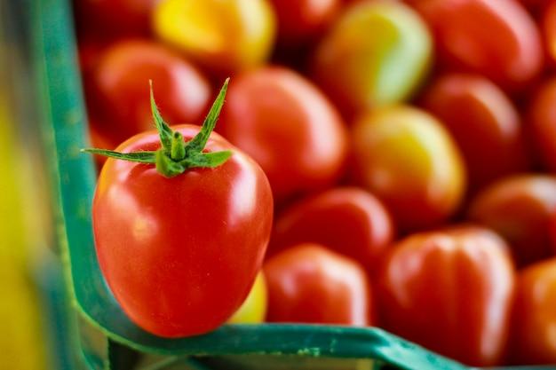Tło czerwone pomidory