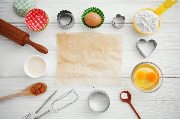 Tło do pieczenia z papierem do pieczenia