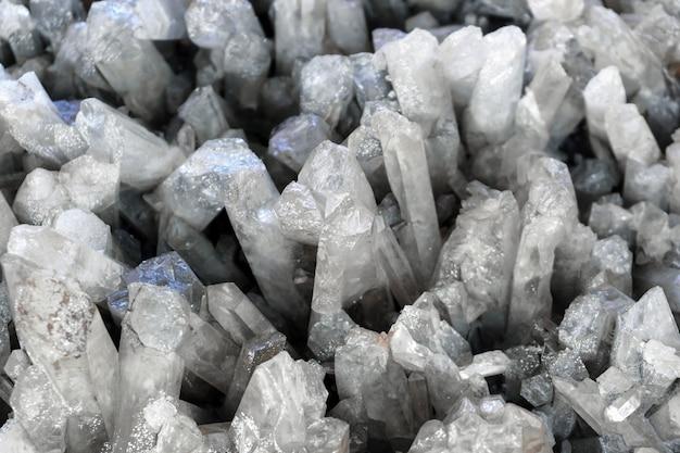 Tło - druza z naturalnych kryształów kwarcu