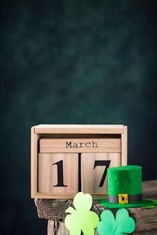 Tło dzień świętego patryka z kalendarza