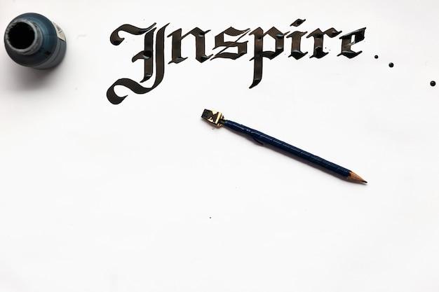 Tło karty kaligrafii atramentu inspekcyjnego