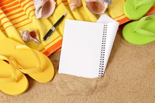 Tło plaża z notebooka