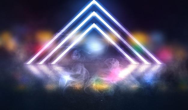 Tło pusta scena, pokój. odbicie na mokrym asfalcie, betonie. rozmyte światła neonowe. neonowy trójkąt pośrodku, dym