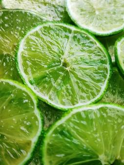 Tło składające się z plasterków limonki.