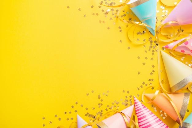 Tło urodziny na żółto