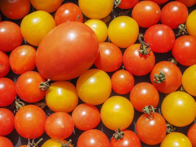 Tło warzyw z pomidorami koktajlowymi