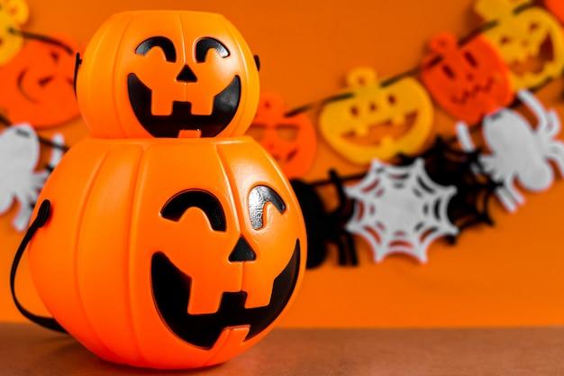 Tło z ornamentem ustaw halloweenowy festiwal.